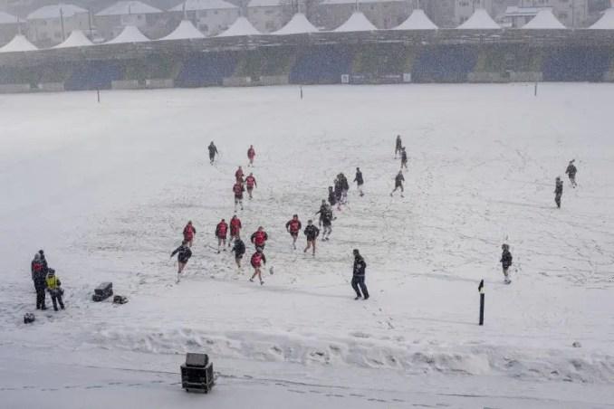 Scotland Women in the snow