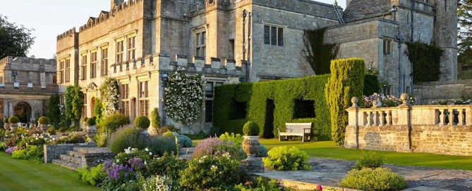 A photograph from the book Secret Gardens Of The Cotswolds by Victoria Summerley and Hugo Rittson-Thomas