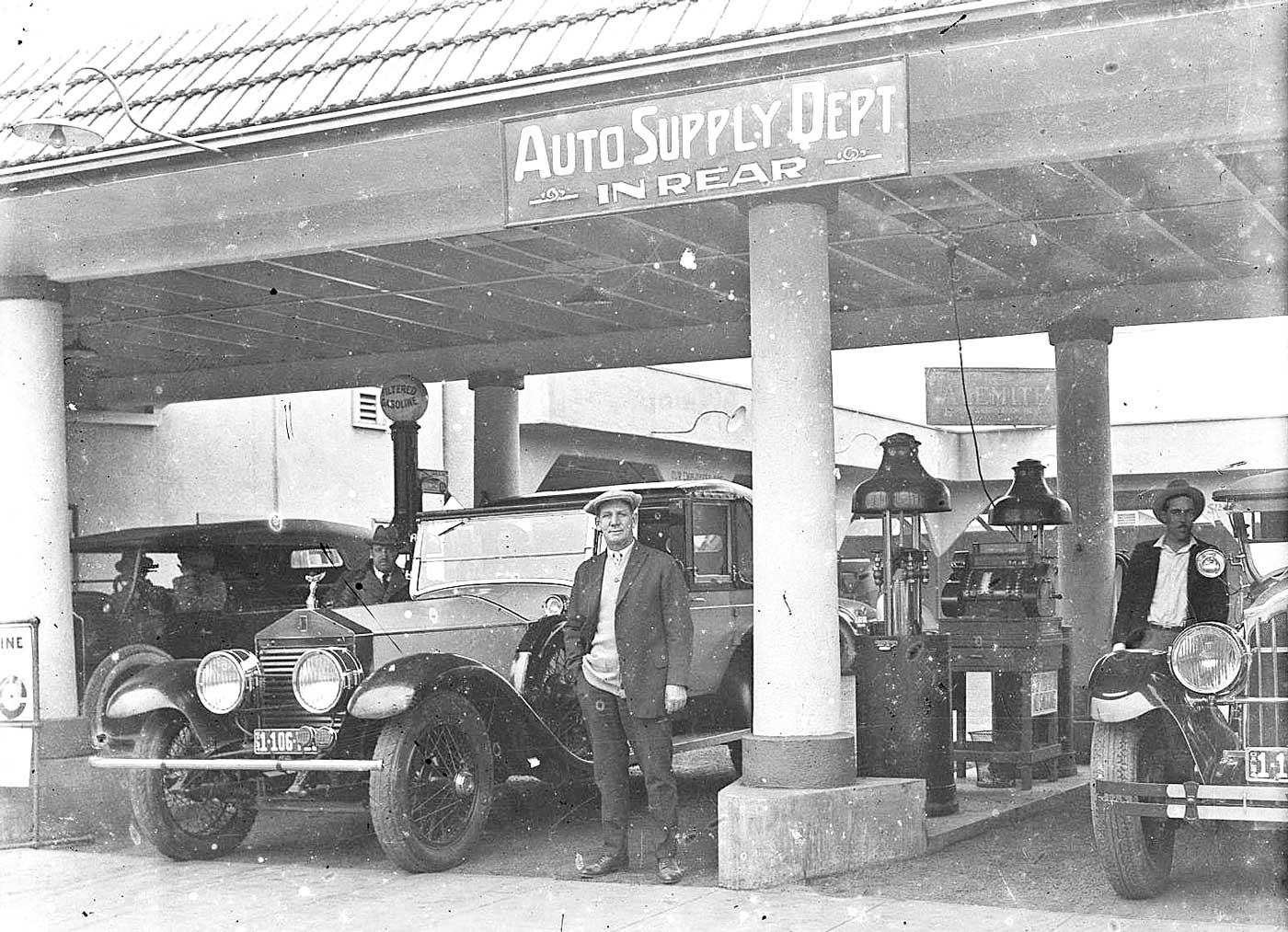 The Amador Garage And A Los Angeles Repair Shop And