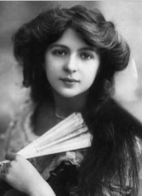 Julia James, 1913 (British actress)