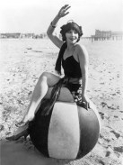 1920s on the beach - Sunbathing was an absolute new activity of the 1920s. Although the benefits of sunlight was discovered at the end of the 1800s, only in the 1920s, when doing sports became popular, getting a tan became fashionable