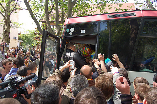 parada gay din chisinau 2008 oprita de oameni