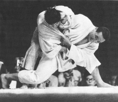 Isao Inokuma in action