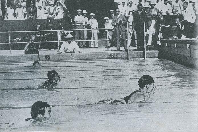 yoshiyuki-tsuruta-winning-gold-in-1932
