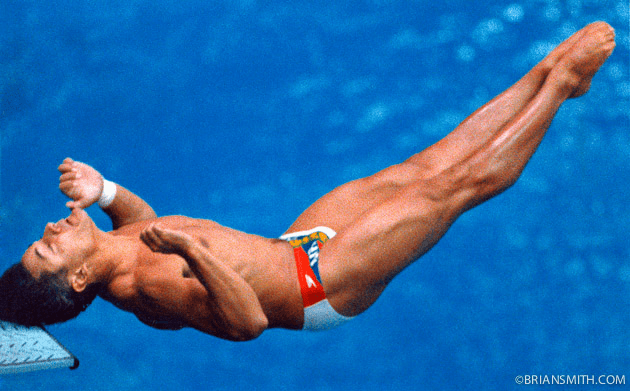 Greg Louganis hits head on board