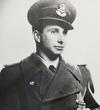 Billy Fiske in RAF uniform