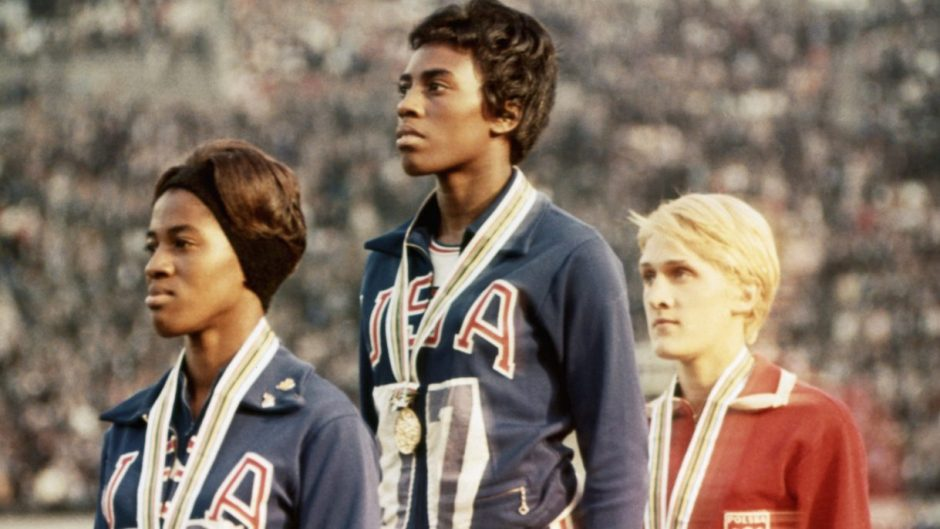Wyomia Tyus on medal stand 1968