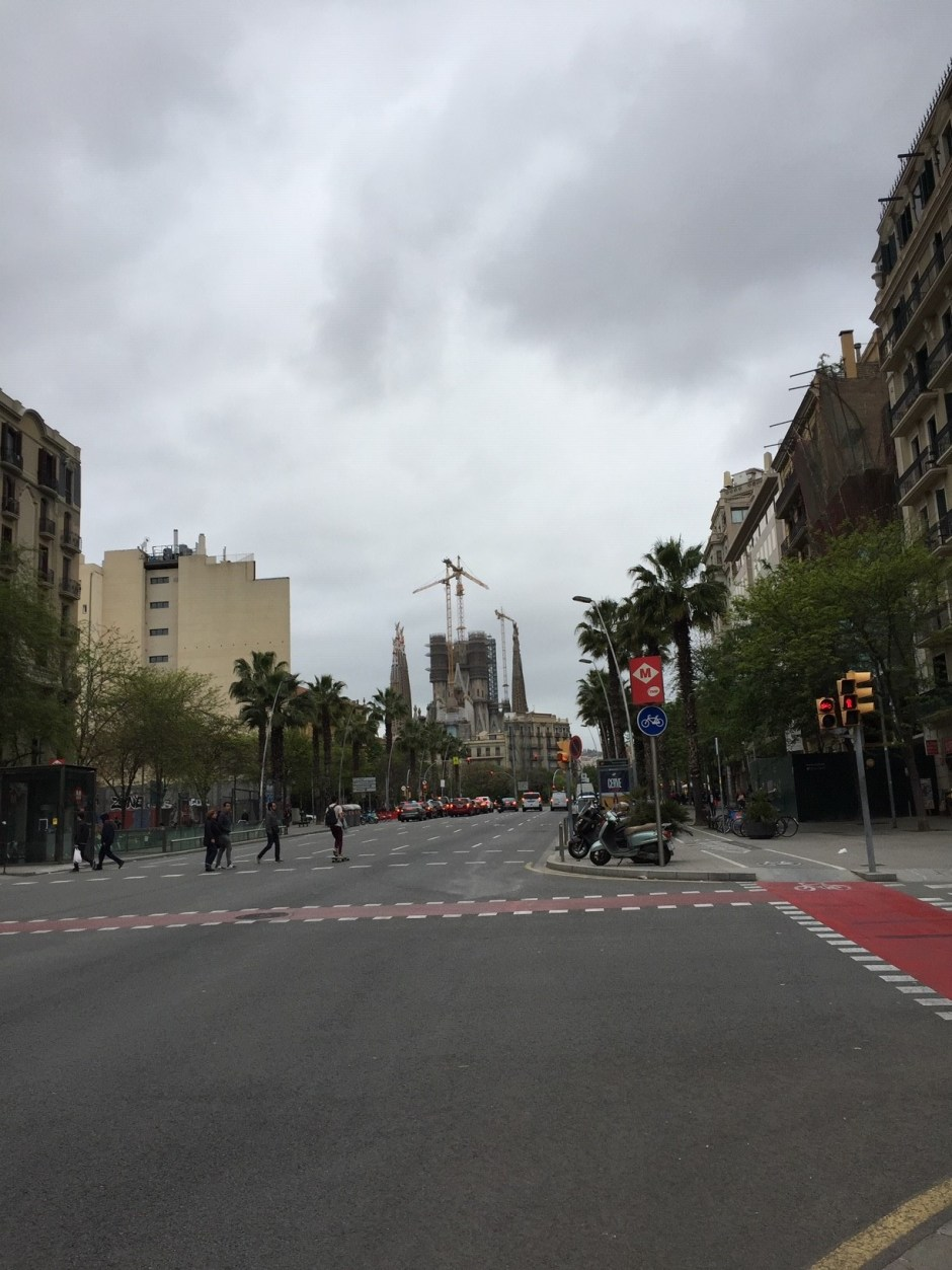 Barcelona road to Segrada Familia