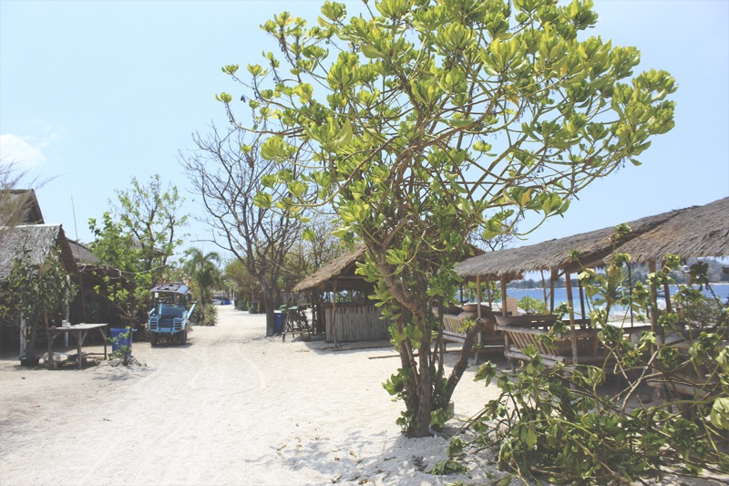 Walking around Gili Meno