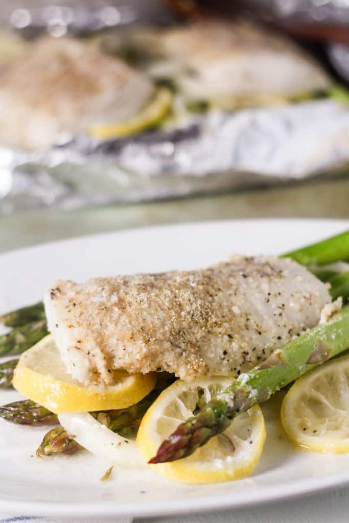 roasted lemon cod with asparagus in foil