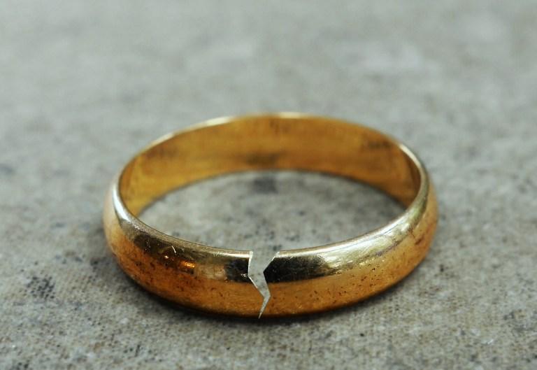 Divorcing An Egomaniac Follows A Familiar Pattern