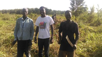 kofi with farmers-theonlywayisghana