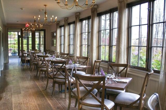 Bedford Post Inn dining room