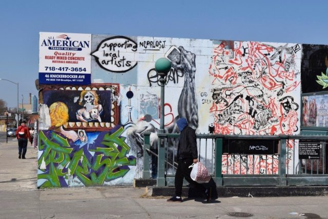 subway-entrance-murals-ads