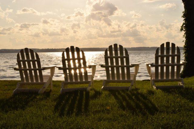 adirondack-chairs-aurora-inn