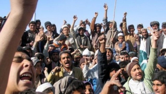 People chant slogans as they take part in an anti-U.S. rally in Chaman