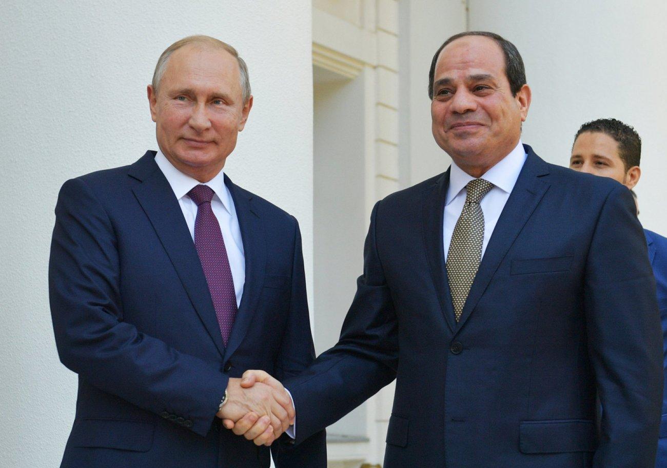 Russian president putin with Egyptian president Abdel-AP