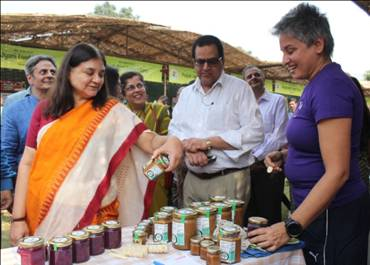 Women of India National Organic Festival_ was inaugurated by Smt. Maneka Sanjay Gandhi, Union Minister for Women and Child Development-2-pib
