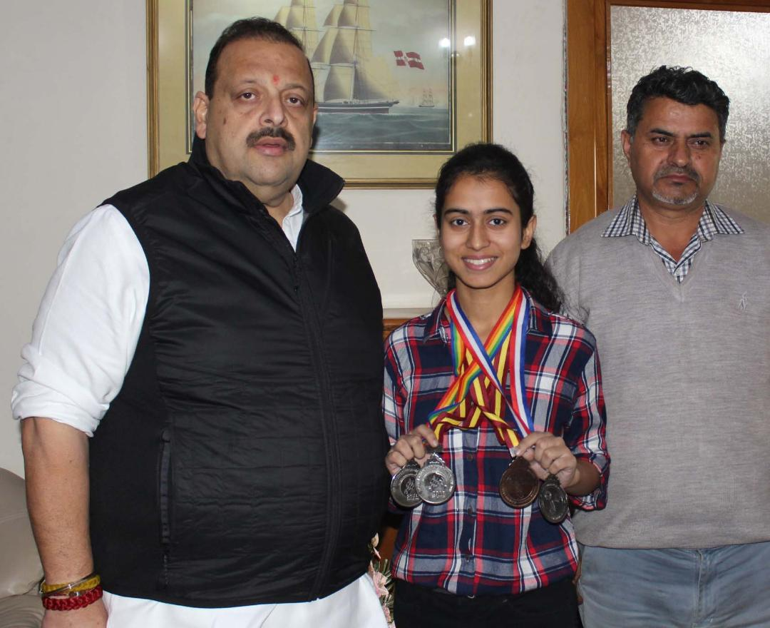 Rana felicitates Arushi Kotwal for winning 4 medals in int'l