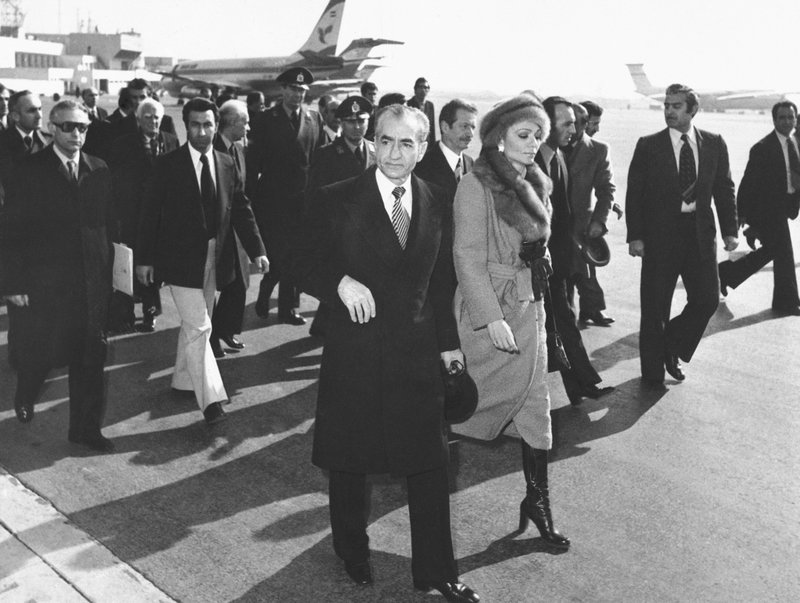 AP WAS THERE: Shah leaves Iran as 1979 revolution looms- AP