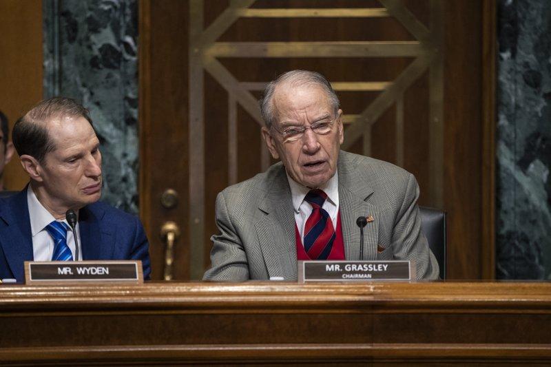 GOP senator pledges insulin probe as Congress holds hearings