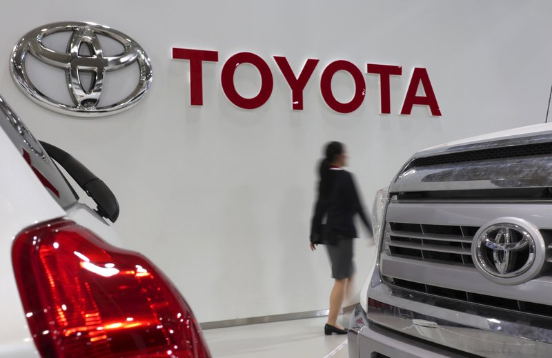 Toyota's, Nissan's global sales fall short of Volkswagen's