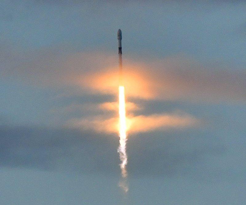 SpaceX launches 10 more Iridium Communications satellites- AP