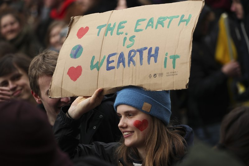 Thousands of Belgian teens skip school for 4th climate march