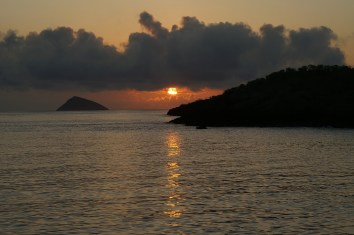 Sunset, Galapagos Islands. Photo: Pixabay