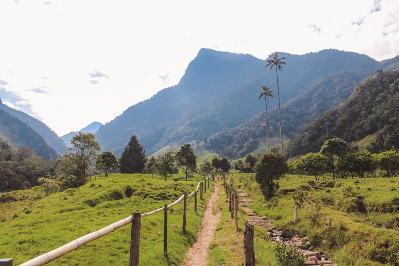 reisroute in Colombia | Guatapé | The Orange Backpack