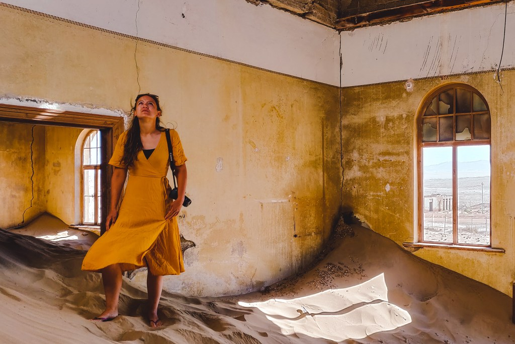 Ghost town Kolmanskop in Namibia | Lüderitz, Namibië | The Orange Backpack