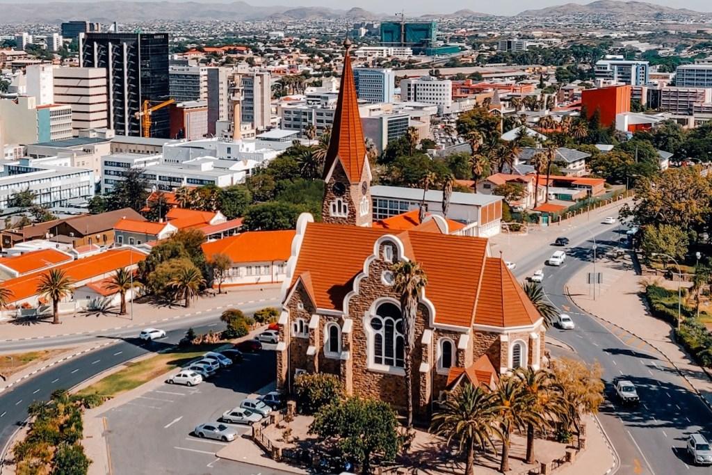 windhoek namibie bezienswaardigheden | rondreis namibie | The Orange Backpack