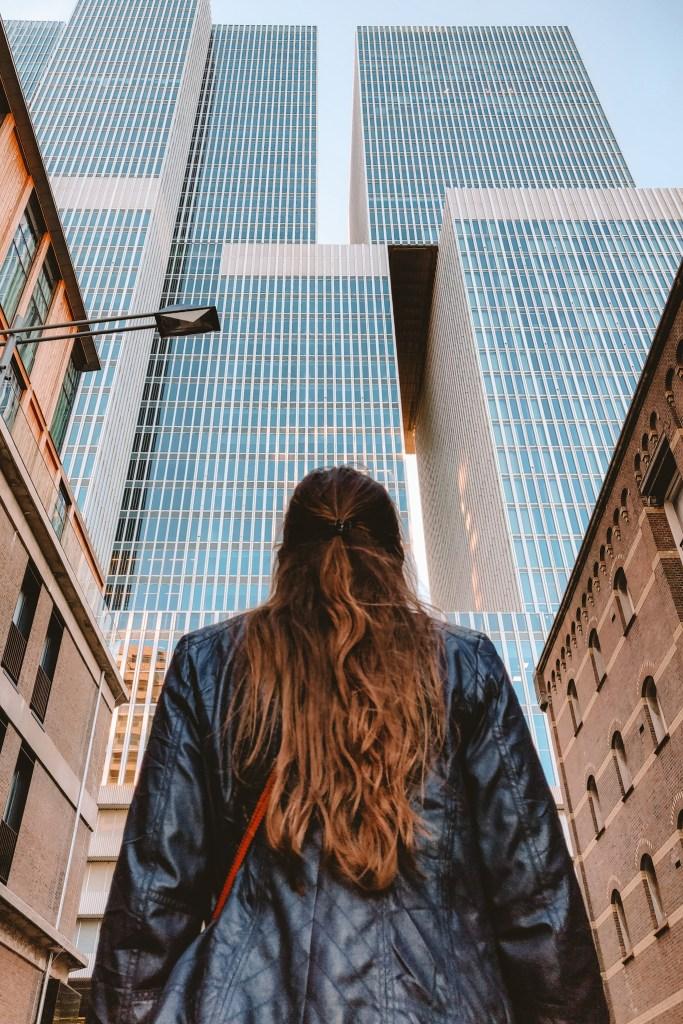 Architectuur Rotterdam | The Orange Backpack