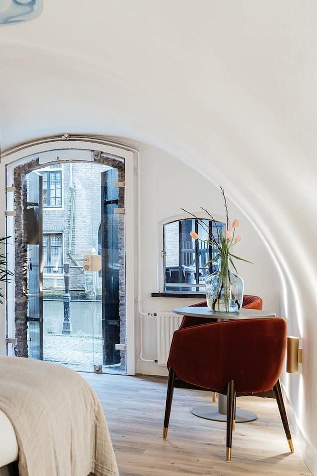 bijzondere airbnb in werfkelder Cozy Pillows Utrecht