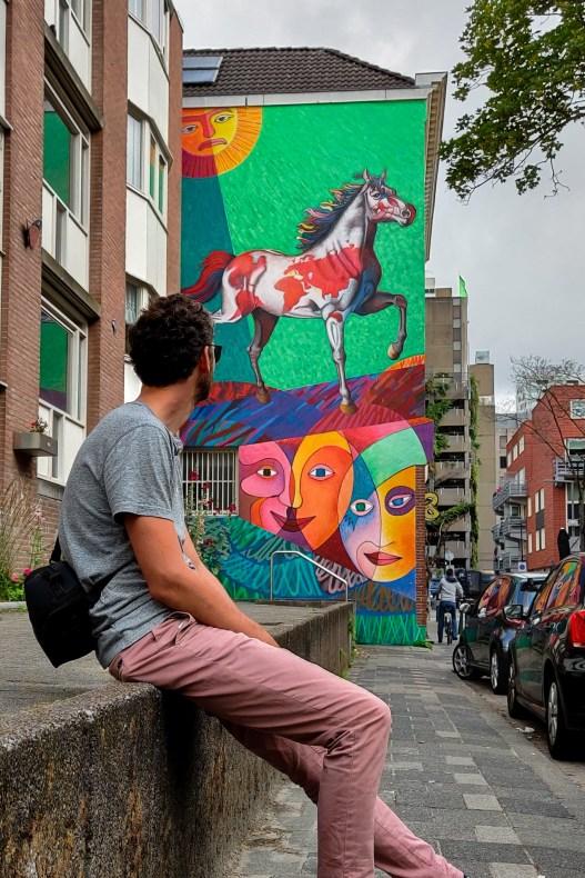 Street art Rotterdam: El Trotamundos door Jorge Kata Nuñez