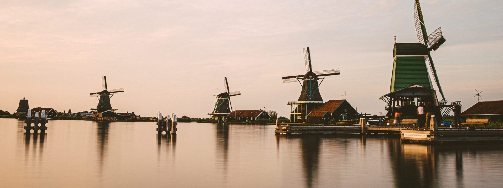 Best place to see windmills in the Netherlands: Kinderdijk or Zaanse Schans?