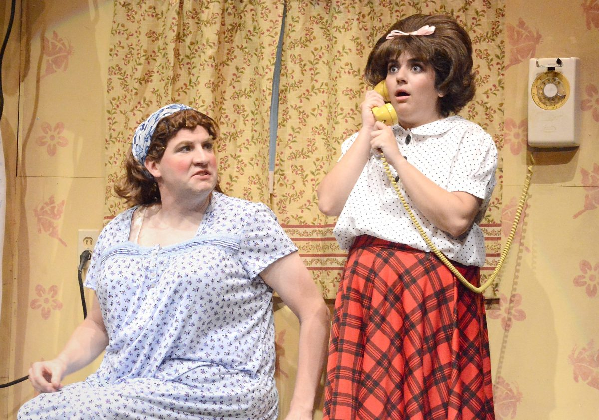Hairspray is Dated : Hairspray @ Laguna Playhouse in Laguna Beach - Review