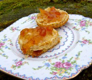 scones with marmalade
