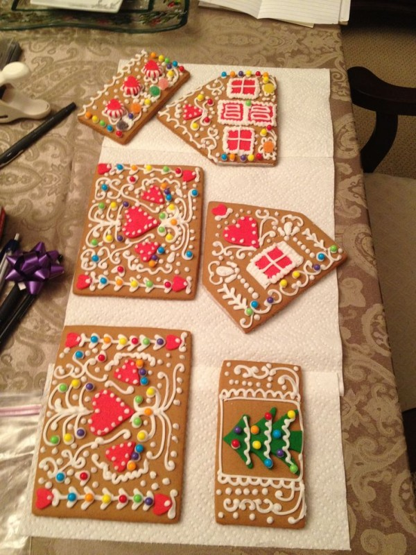 Ideas For Gingerbread Houses With Pictures - Gingerbread house garage