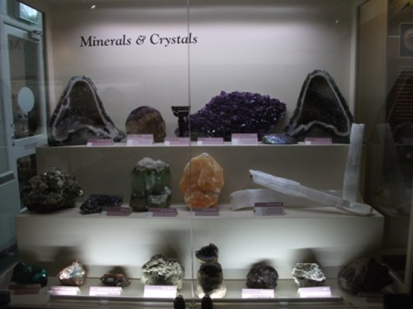Fossil Centre crystals Bell