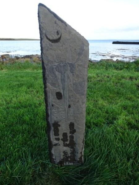 st magnus waymarker stone Finstown Bell
