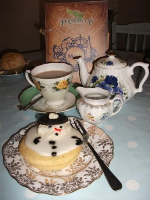 Fernvalley Christmas food - snowman Bell