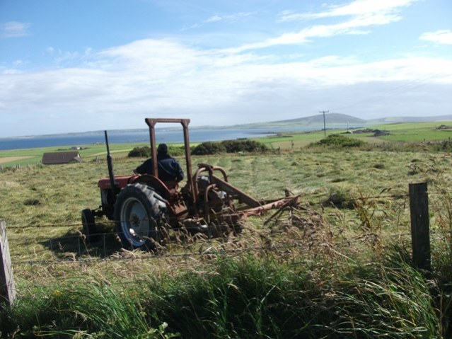 Old tractor at harvest credit Bell
