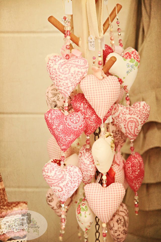 14 Beautiful Valentines Day Fabric Amp Quilting Projects To