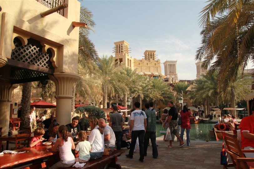 Madinat Jumeirah - the waterfront was buzzing with activity (but in a good way)