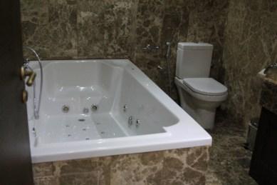 Huge spa in 2nd bathroom
