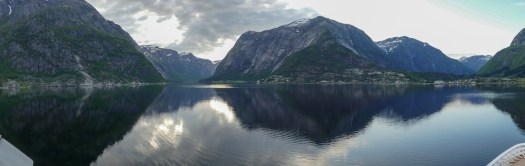 Sailing into the Hardangerfjord