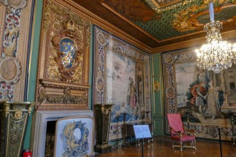 This room had a makeover in 1897. The striking tapestries were woven in England in 1630 under orders from Charles I of England. They were a wedding present to Karl X Gustav and Hedvig Eleonora.