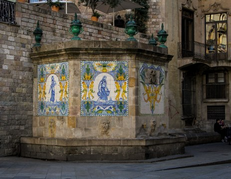 The oldest fountain in Barcelona, dating from the 17th century. The lovely tiles were a 1918 addition.