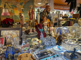 There was a pop-up market selling antiques, homewares and bric-a-brac
